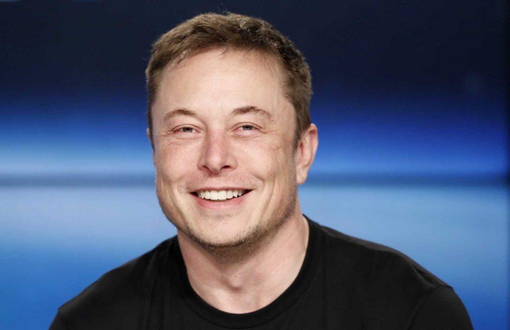 CEO Binance предложил Илону Маску купить Tesla за криптовалюту