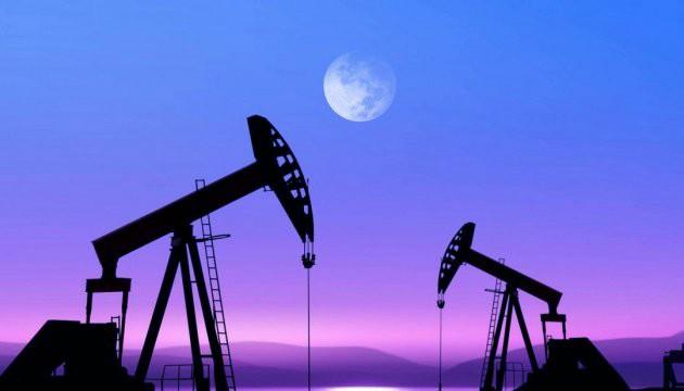 Нефть вновь падает: сокращений ОПЕК недостаточно для поддержания баланса на рынке