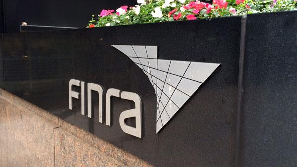 Власти США мешают деятельности финансовых компаний с криптовалютами