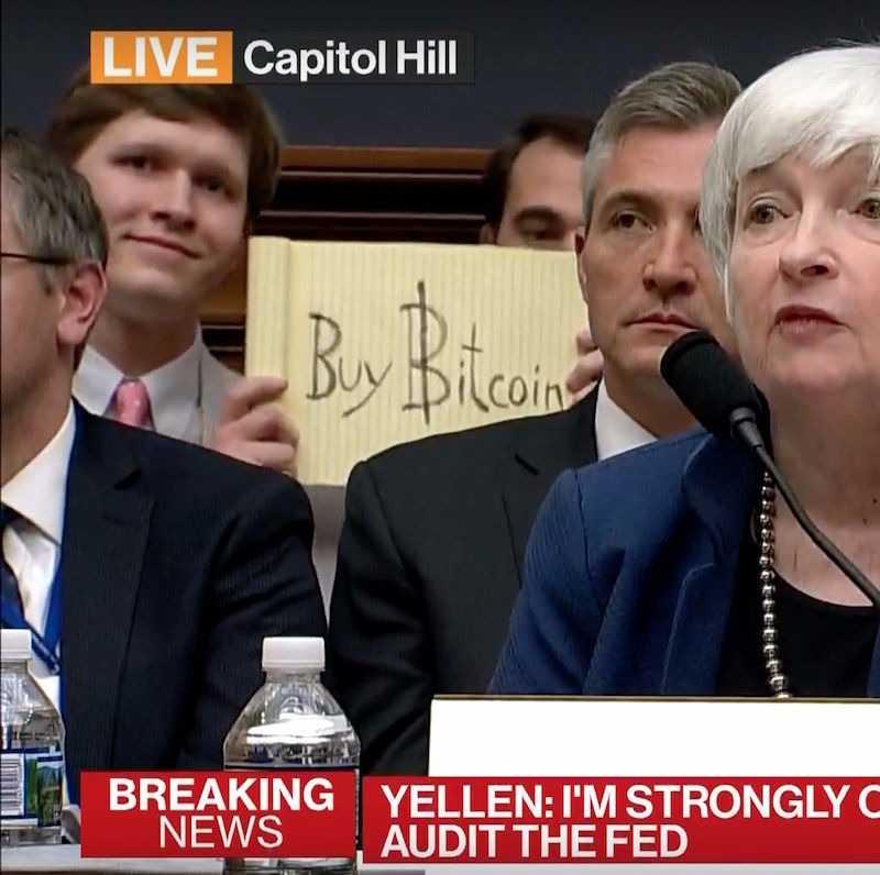 Майнер поддержал биткоин в прямом эфире и получил в благодарность $16000