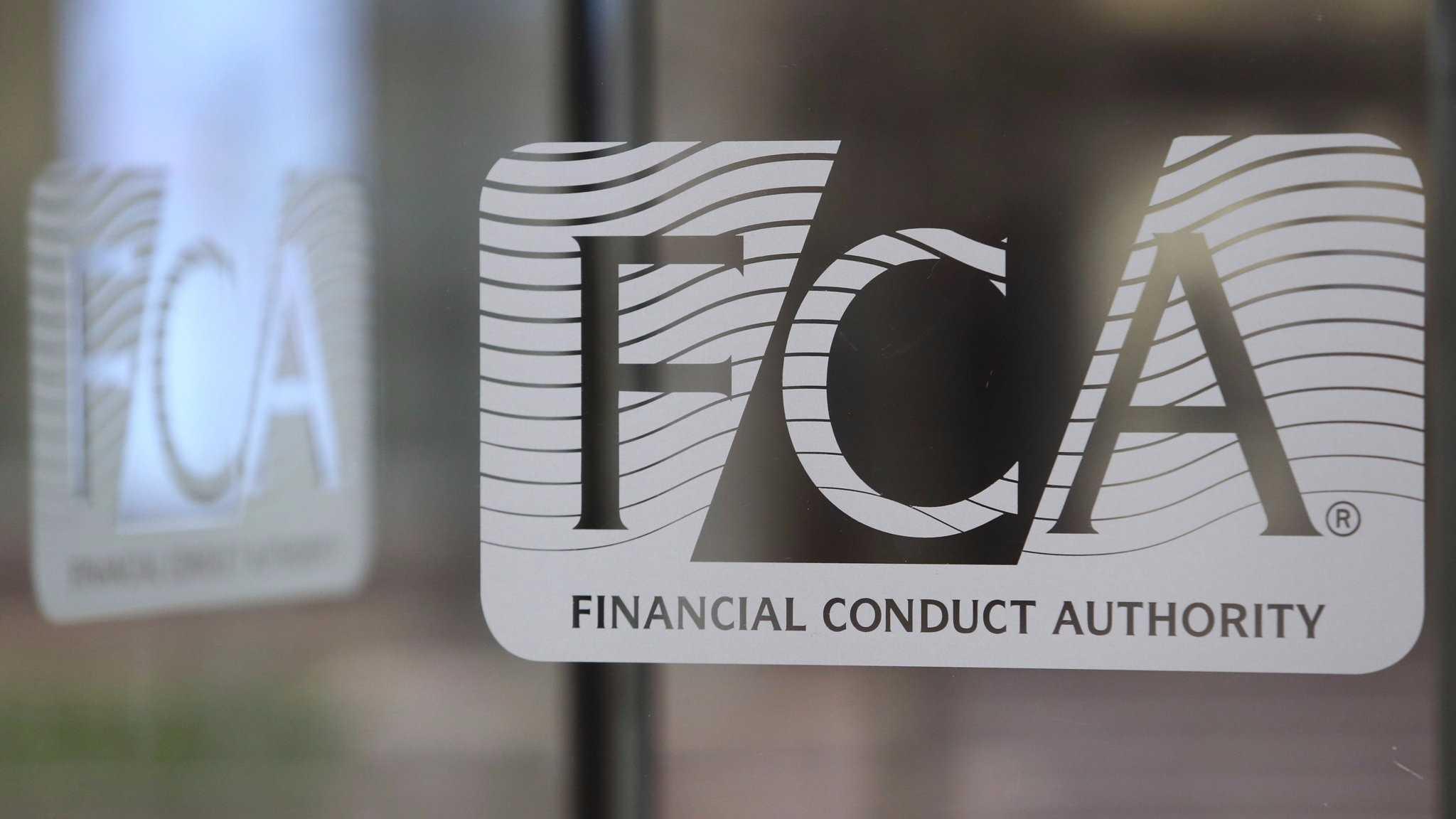 Блокчейн стартапы в Англии испытывают проблемы с банковскими услугами