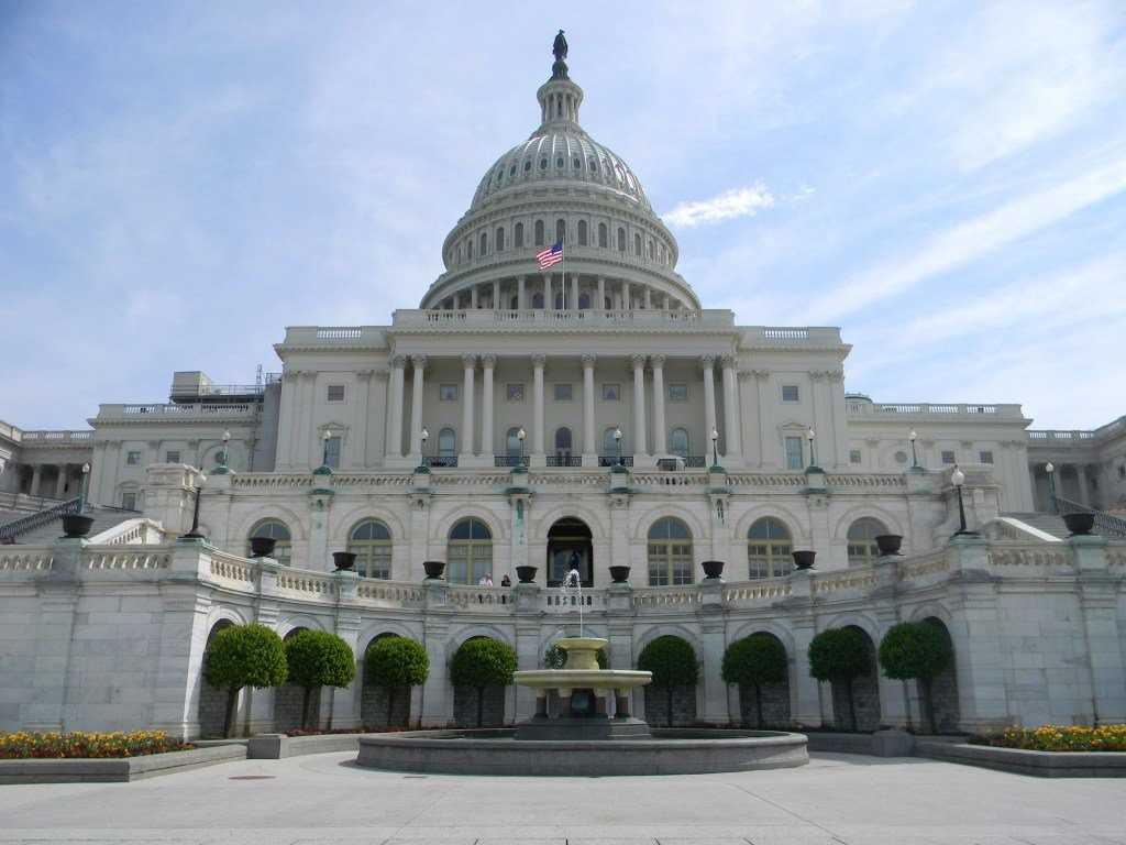 Рон Пол: правительство США должно держаться подальше от биткоина